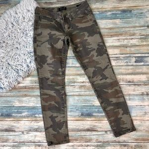 Seven7 Camo Skinny Jeans Size 7
